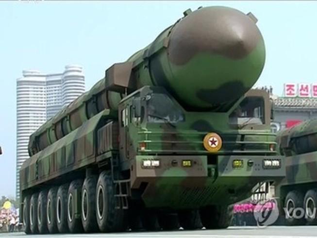 Triều Tiên bất ngờ điều động tên lửa ra bờ Tây