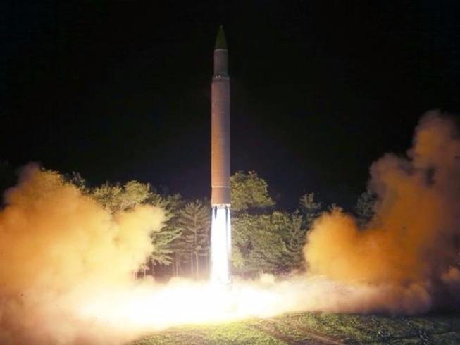 Triều Tiên sắp phóng tên lửa đủ sức vươn tới Anh, Mỹ?