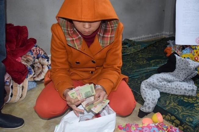 Người làm thuê trộm 70 lượng vàng để... gửi tiết kiệm
