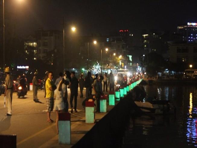 Người đàn ông đi xe đạp rơi xuống sông Hương tử vong