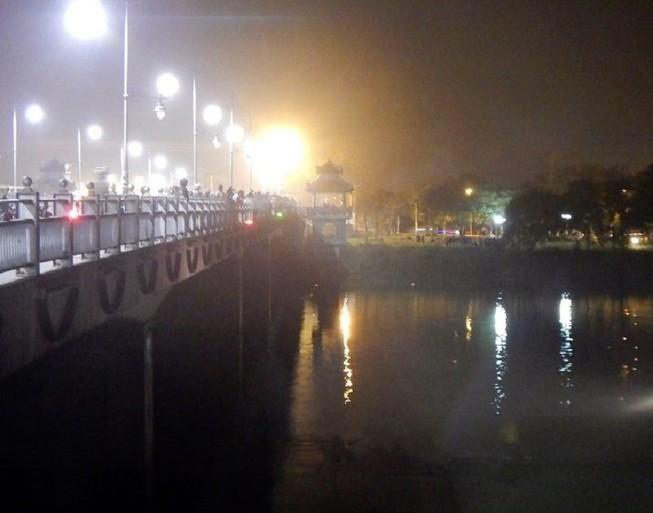 Thanh niên nhảy sông Hương tự tử kêu cứu trước khi chìm