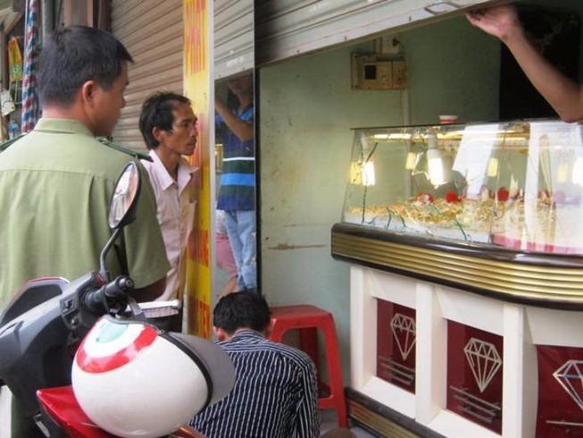 Bắt băng trộm vàng gồm 6 người trong gia đình