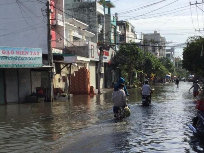 Khắc phục tình trạng ngập nước ở quận 12 ngay hôm nay