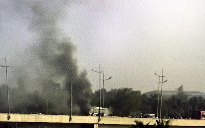 Ô tô 45 chỗ cháy ngùn ngụt trên cao tốc TP.HCM - Trung Lương