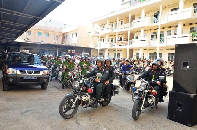 TP.HCM: Cảnh sát cơ động tuần tra 24/24 giờ để trấn áp tội phạm