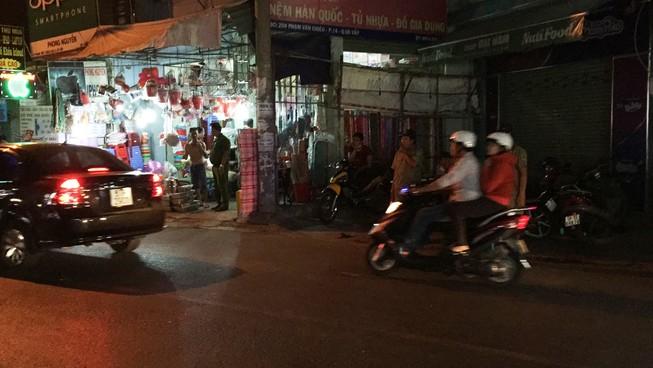 TP.HCM: Nam thanh niên bị giang hồ chém đứt lìa tay