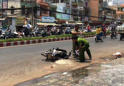 Clip: Hai cô gái bị tạt acid giữa đường phố Sài Gòn