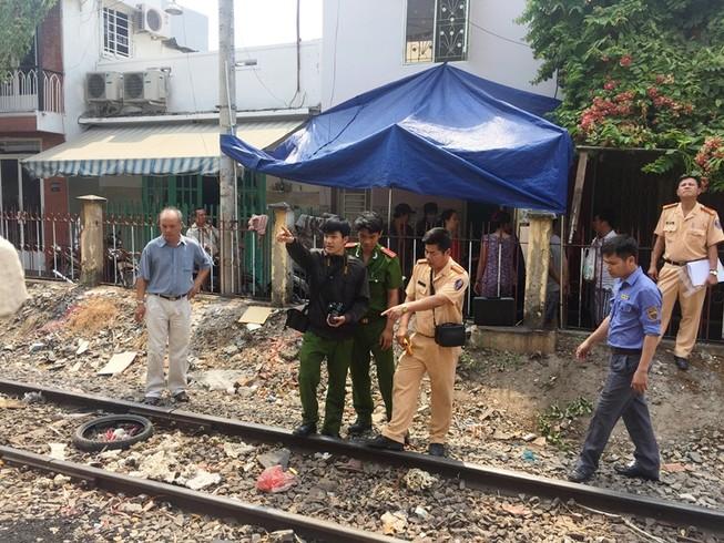 Bị tàu tông tử vong khi cố chui qua hàng rào sát đường sắt