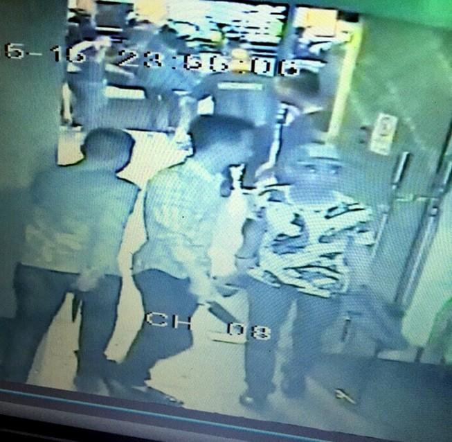 Bị bắt vì tấn công người trong quán bar