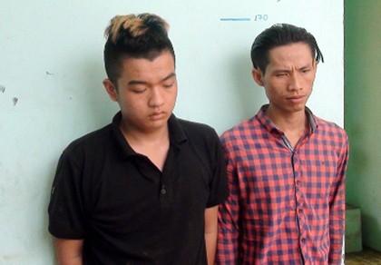 Hai tên cướp lộ diện từ tin nhắn xin chuộc điện thoại