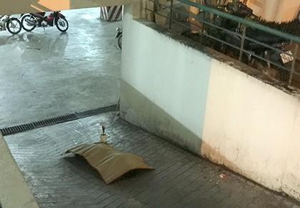 Phụ nữ người Philippines rơi từ lầu 8 chung cư