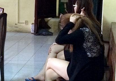 Cô gái quanh co chối tội môi giới bán dâm
