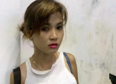Cô gái âm thầm đeo bám để bắt đôi nam nữ cướp giật tài sản
