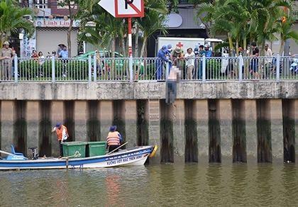 Thi thể người đàn ông nổi lên trên kênh Nhiêu Lộc - Thị Nghè