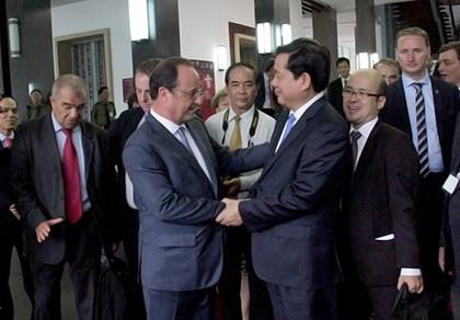 Tổng thống Pháp kết thúc 1 ngày thăm và làm việc tại TP.HCM
