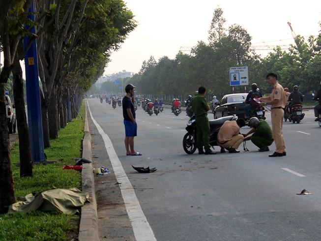 Nữ công nhân đi làm ca đêm về tông gốc cây tử vong