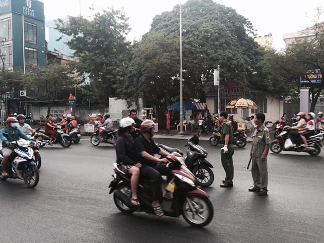 Vụ chém gần lìa tay ở Sài Gòn, nạn nhân nhận là nhà báo