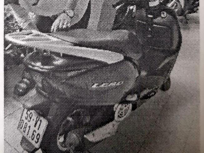 Cướp được điện thoại thì mất xe máy
