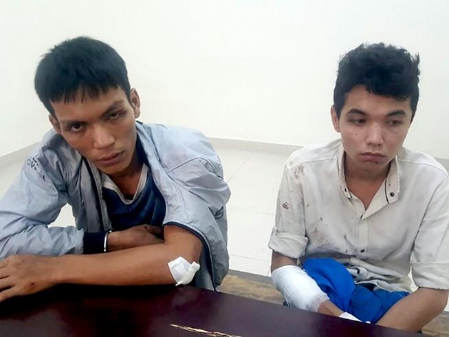 Người dân TP.HCM vây bắt 2 tên cướp trong hẻm cụt