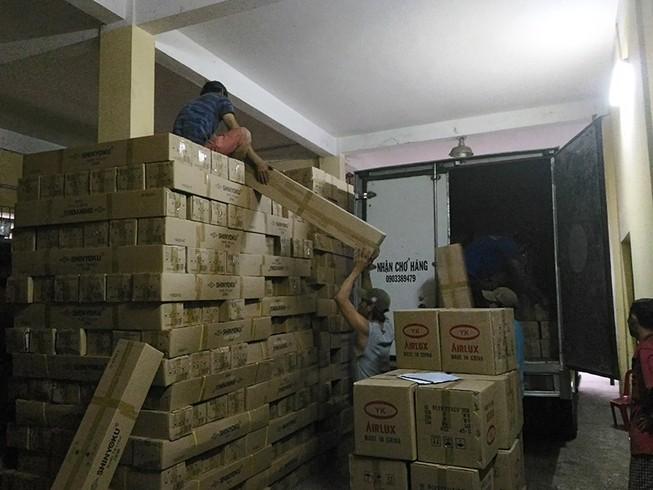 Phát hiện kho đèn LED tiền tỉ lậu xuất xứ Trung Quốc