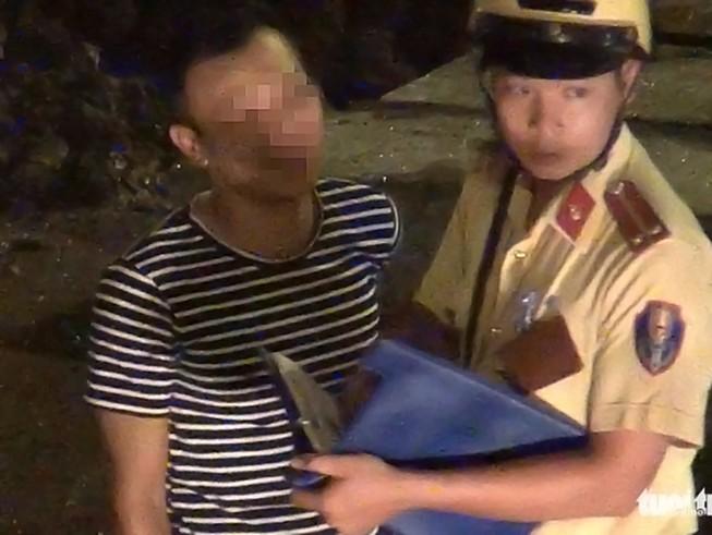Chưa đình chỉ 3 CSGT vụ 'làm tiền' ở Tân Sơn Nhất