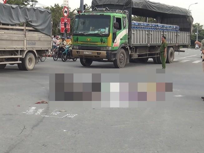 Va chạm xe bồn, 1 phụ nữ ngã xuống đường tử vong