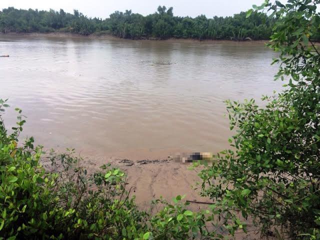 Thi thể thanh niên nổi trên sông trong tình trạng phân hủy