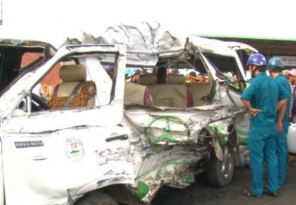 Tai nạn liên hoàn làm 11 người thương vong