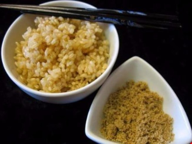 Vụ chữa bệnh bằng gạo lứt: chùa cam kết dừng hoạt động