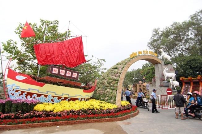 9,9 tỉ đồng làm đường hoa Biên Hòa