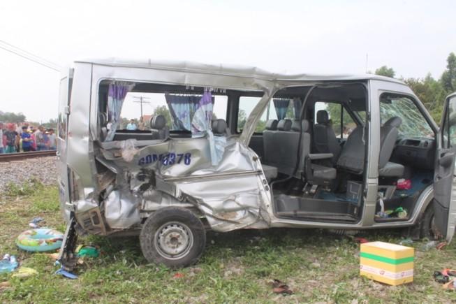 Tin mới nhất về vụ tàu hỏa tông xe ô tô ở Biên Hòa