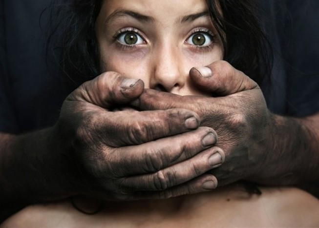 Dạy trẻ Luật bàn tay để ngăn ngừa bị xâm hại tình dục