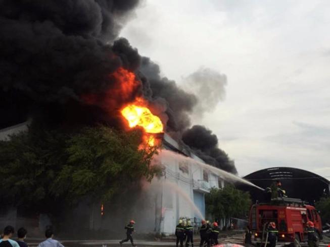 Chữa cháy hay đốt cả tòa nhà?