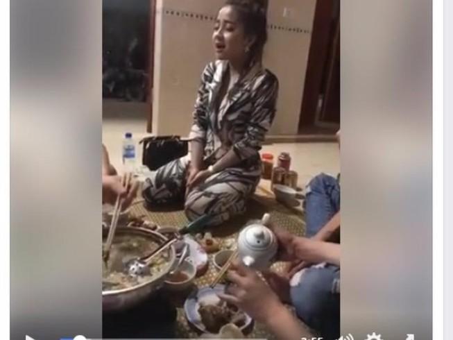 Cô gái xứ Nghệ chối uống rượu bằng hát ví dặm cực ngọt