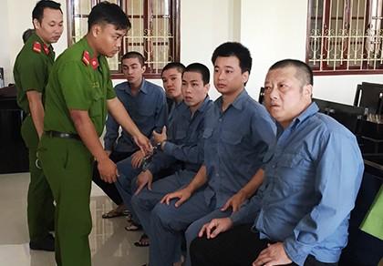 Giảm án cho các bị cáo vụ 'tòa yêu cầu VKS đọc cáo trạng… hai lần'
