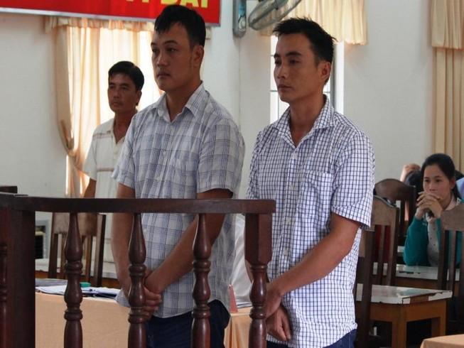 Bênh cha, anh em rể dắt nhau vào tù