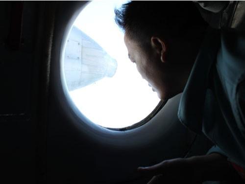Tìm kiếm máy bay Malaysia mất tích: Đang ăn cơm…. bay liền để ứng cứu