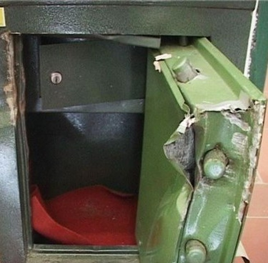 Kẻ gian đột nhập phá két sắt trộm gần 300 triệu đồng