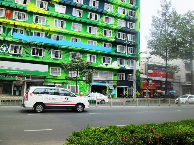 Đẹp lạ của ký túc xá xanh giữa lòng Sài Gòn
