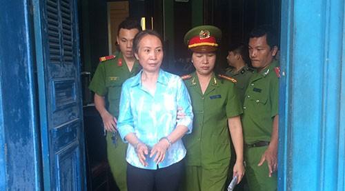 Con gái 'Nữ hoàng xe tay ga' bị tố cùng mẹ lừa đảo