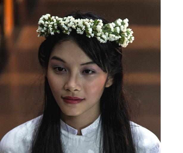 Con gái diễn viên Kiều Trinh hạnh phúc khi được vinh danh