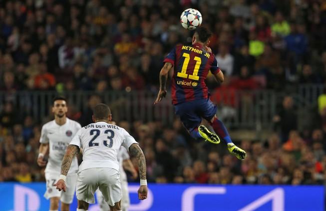 Barcelona thắng PSG 2-0: Neymar có cú đúp nhưng ngôi sao là Iniesta