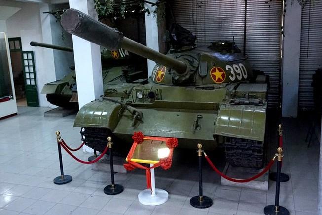 Số phận đặc biệt của chiếc xe tăng 390