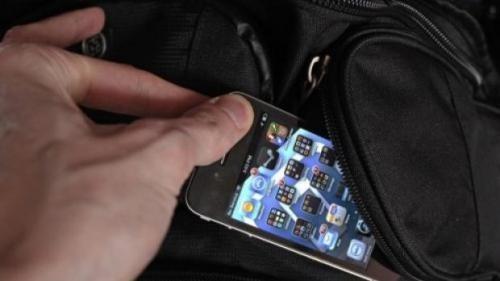 Khởi tố SV trộm iPhone 5, dùng dao cố thủ cả tiếng