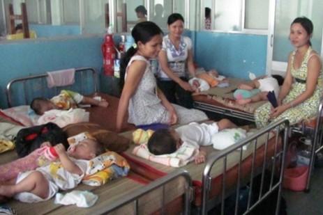 Nắng nóng, nhiều trẻ bị viêm não nặng hôn mê