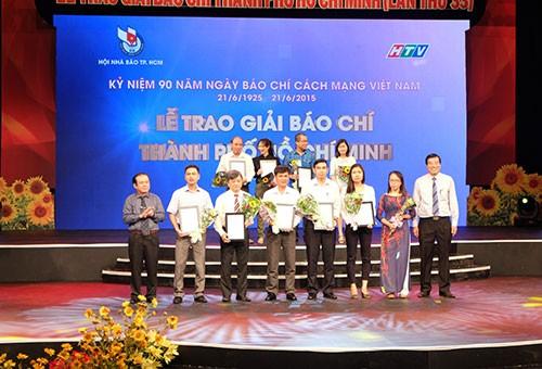 Vị đại biểu Quốc hội đầu tiên đoạt giải báo chí TP.HCM