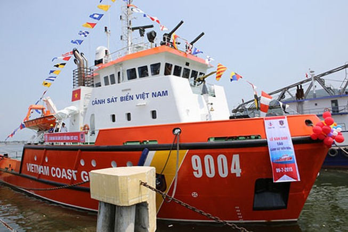 Bàn giao hai tàu tuần tra hiện đại cho Cảnh sát biển