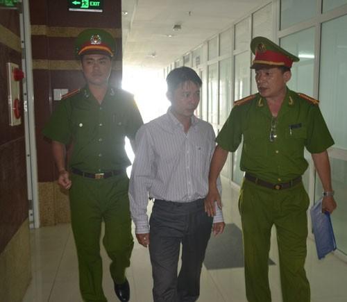 Trạm bảo vệ rừng biên chế 5 người thì 4 người bị bắt