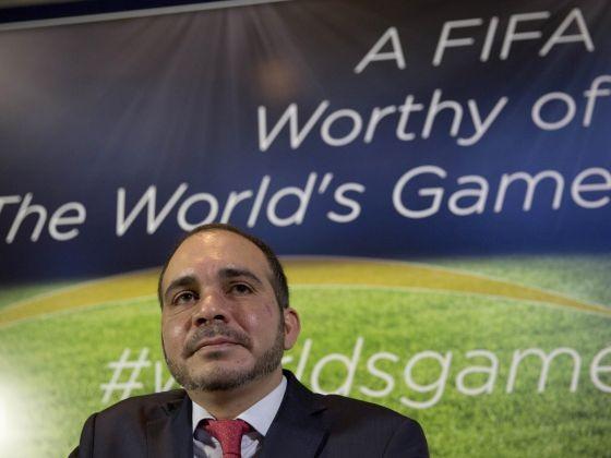 Phó Chủ tịch FIFA, Hoàng tử Ali: 'Ông Blatter phải rời FIFA ngay bây giờ'