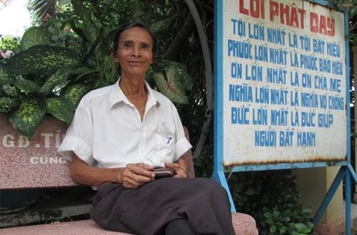 Nghệ sĩ Việt nghèo khó sống giữa nghĩa trang cô quạnh